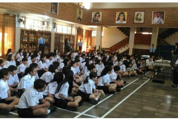 Sosialisasi Pencegahan Penyalahgunaan Narkoba di SMP Stella Duce 1 Yogyakarta