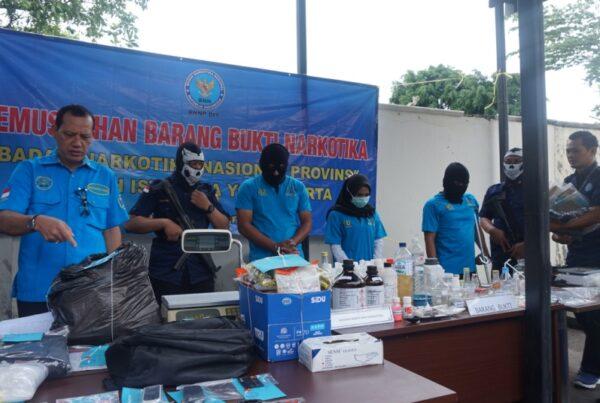 BNNP DIY Musnahkan Shabu Seberat 2.155 Gram dan CL (Clandestine Lab)